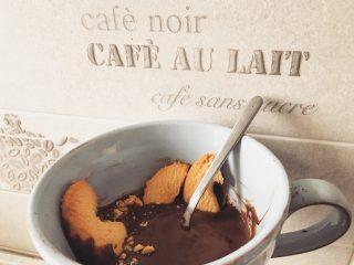 Cioccolata calda fatta in casa al microonde
