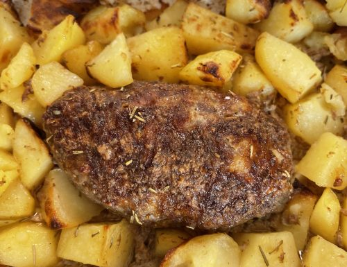 Polpettone di carne al forno con patate