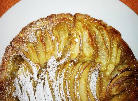 Crostata di Mele con Crema profumata alla Cannella