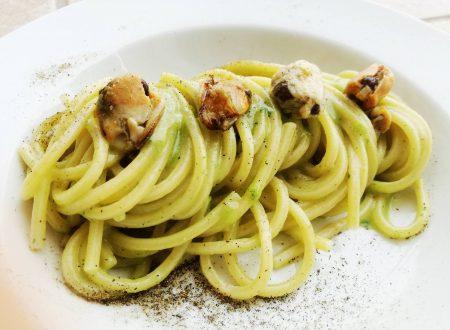 Spaghetti con crema di broccoletti e cozze