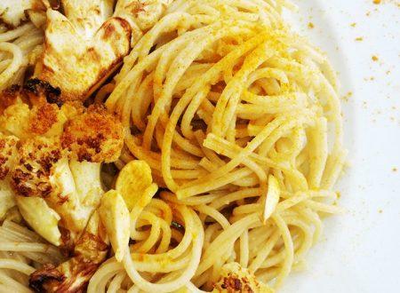 Spaghetti integrali con Cavolfiore arrosto, Curcuma e Mandorle