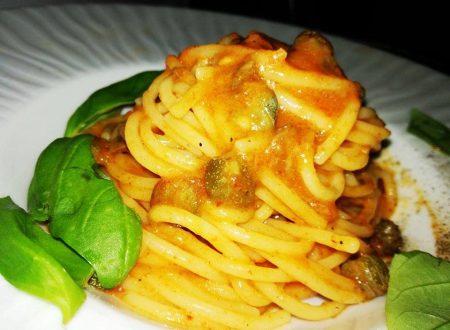 Spaghetti con crema di Peperone rosso e Capperi