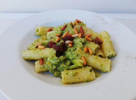 Pasta con Broccolo barese, Acciughe, Uvetta e Pinoli ^__^