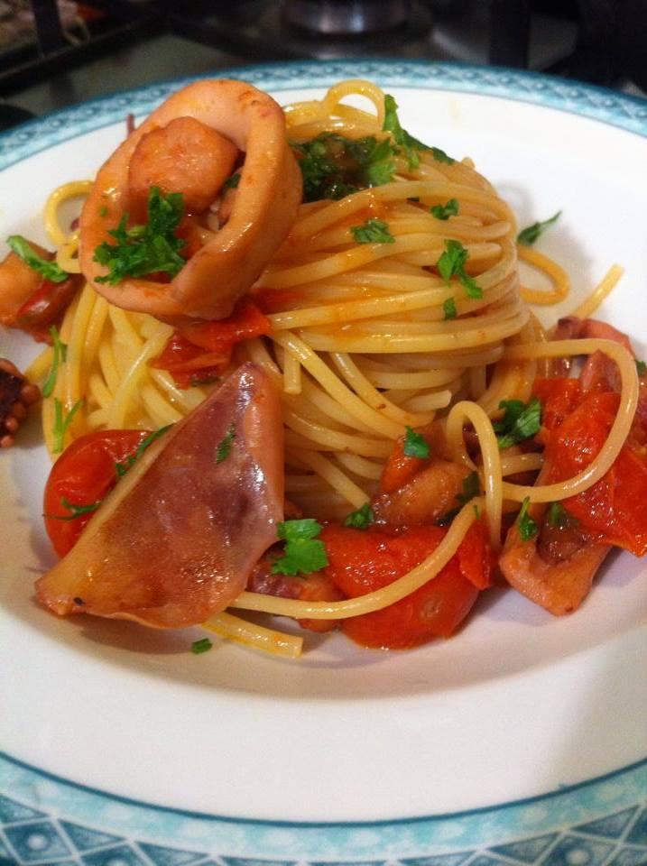 Spaghetti con calamari e capesante cucina e pasticci - Cucina e pasticci ...