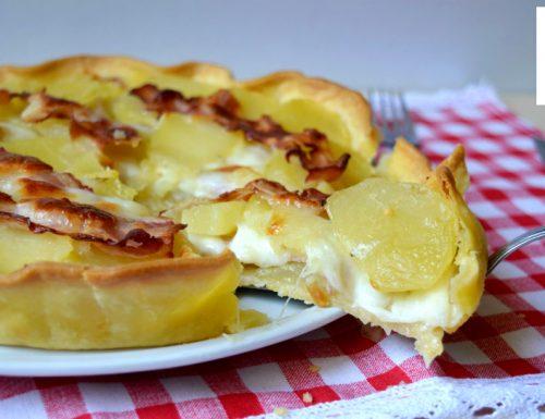 Torta salata con patate mozzarella e bacon