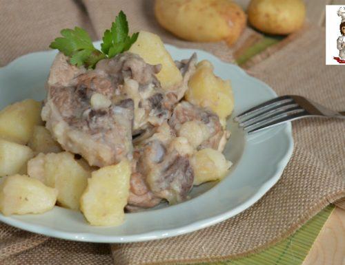 Agnello e patate in umido