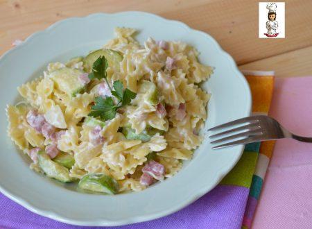 Pasta  con zucchine pancetta e philadelphia