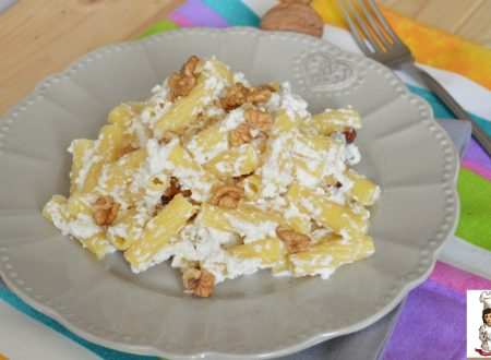 Pasta con ricotta gorgonzola e noci