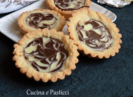 Crostatine variegate con ganache al cioccolato