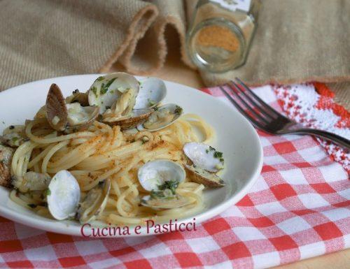 Spaghetti con arselle e bottarga
