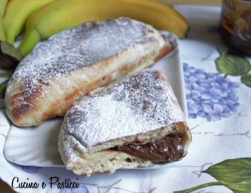 Panzerotti con nutella e banane cotti in padella