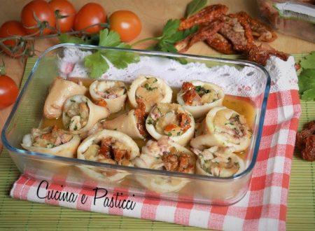 Calamari ripieni di pane e pomodori secchi
