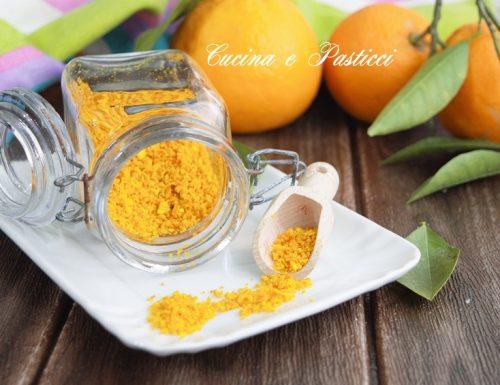 Buccia di arance essiccate al microonde