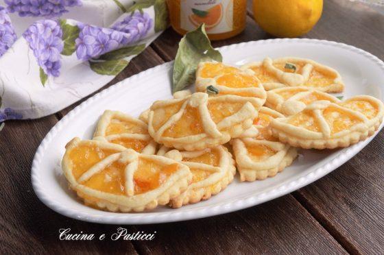 Biscotti spicchi di arancia fatti a mano