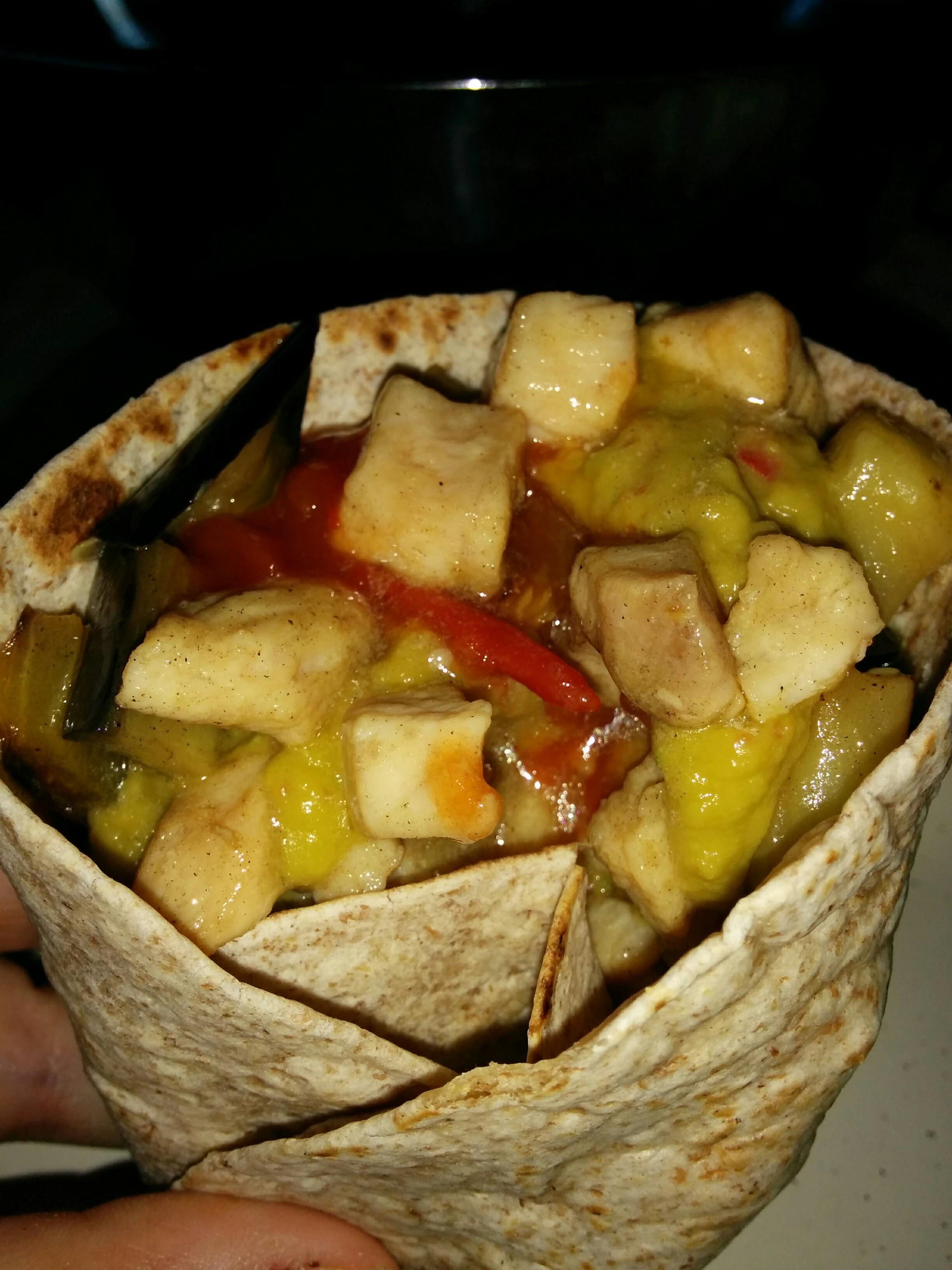 Cena messicana o quasi (tortilla di pollo e verdure)