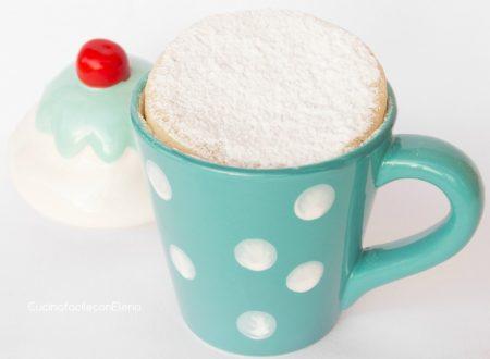 Torta al microonde in tazza (versione bianca)