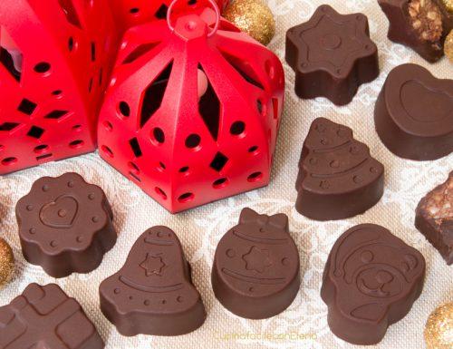 Cioccolatini Ripieni di Nutella, Pavesini e noccioline