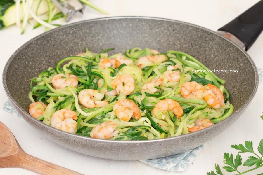 spaghetti di zucchine e gamberetti - ricetta veloce e leggera - Pasta Veloce Da Cucinare