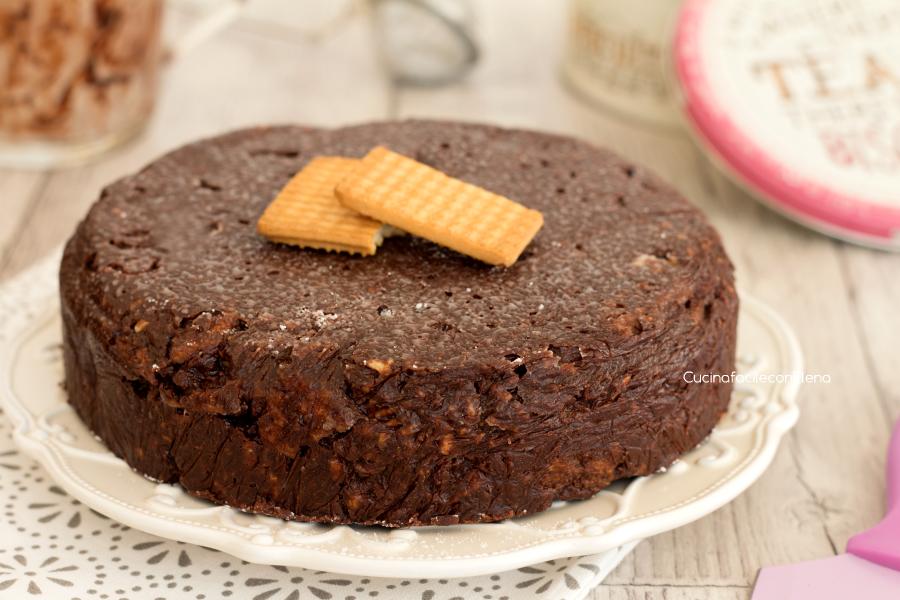 torta salame di cioccolato intera