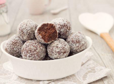 Tartufini cocco e cioccolato senza cottura