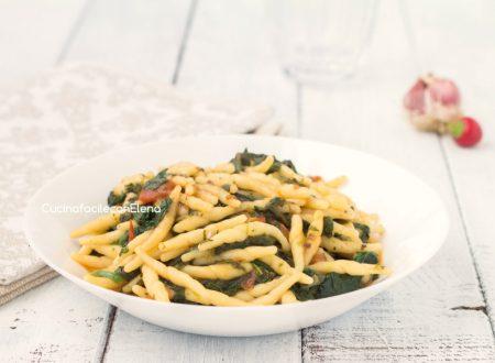 Pasta spinaci e pomodoro