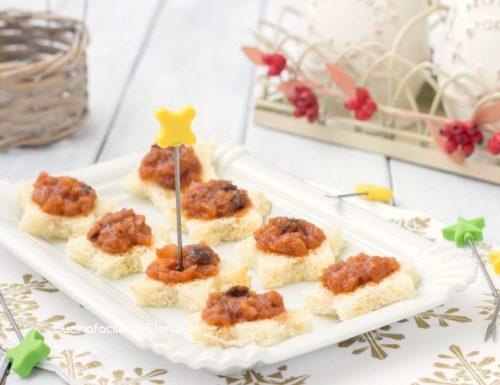 Tartine con crema di cipolle
