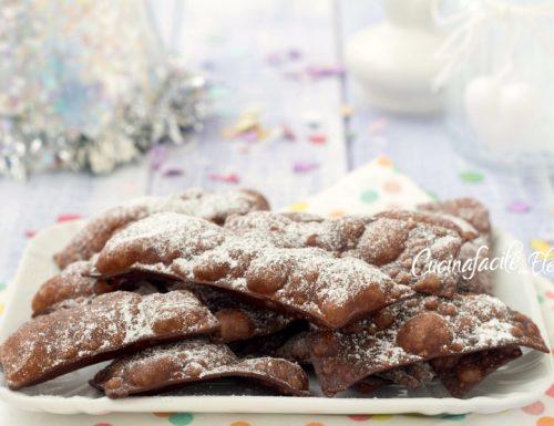 Chiacchiere alla ricotta e cioccolato