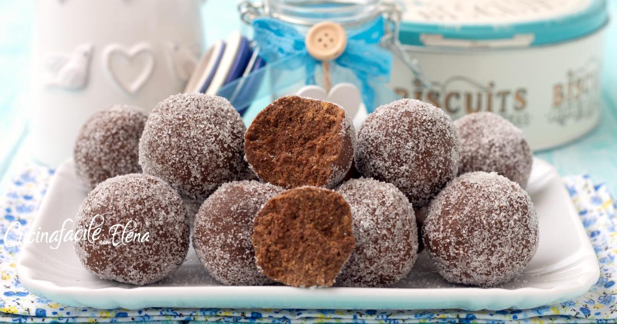 Tartufini al cioccolato e panna pronti in 5 minuti con 4 ingredienti senza burro e senza cottura