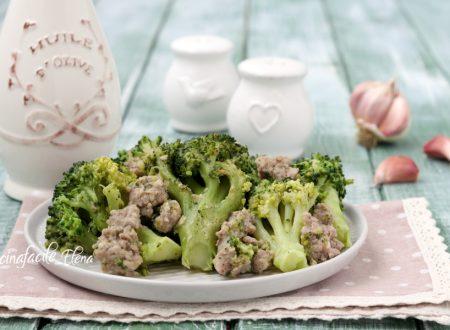 Broccoli e salsiccia in padella
