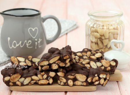 Croccante alle mandorle di cioccolato