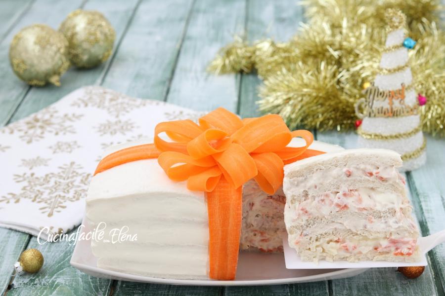 la torta tramezzino di Natale la fate in 10 minuti senza cuocere nulla  ed è cremosissima e super saporita, potete anche farla in anticipo se  volete,