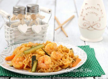 Noodles gamberi e verdure