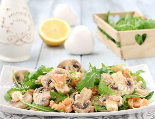 Insalata funghi e salmone