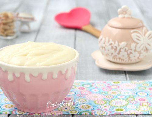 Crema pasticcera alle mandorle