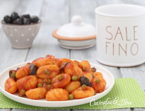 Gnocchi al sugo piselli e olive