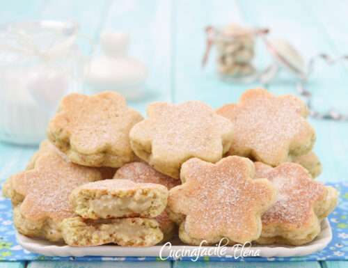 Biscotti al pistacchio ripieni