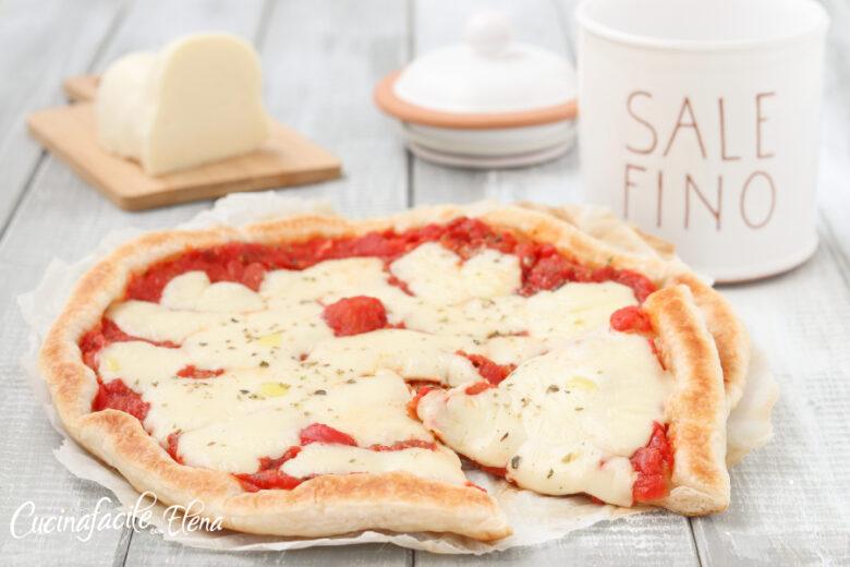 Pizza di sfoglia in padella