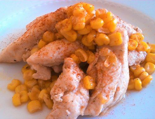 Filetti di pollo con mais e paprika
