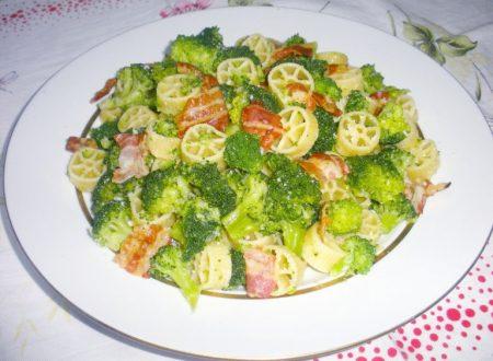 Ruote con broccoli e pancetta