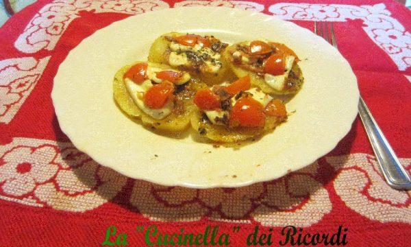Patate al forno con Primosale, Alici di Cetara e Pomodorini