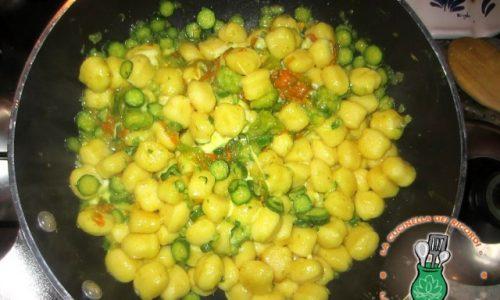 Gnocchi, fiori di zucchina, scamorza e…