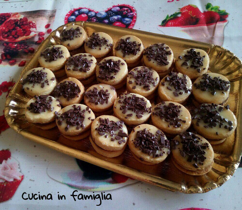 Biscotti fantasia di cioccolato