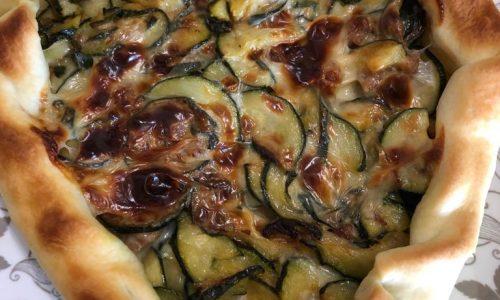 Torta rustica con zucchine e salsicce