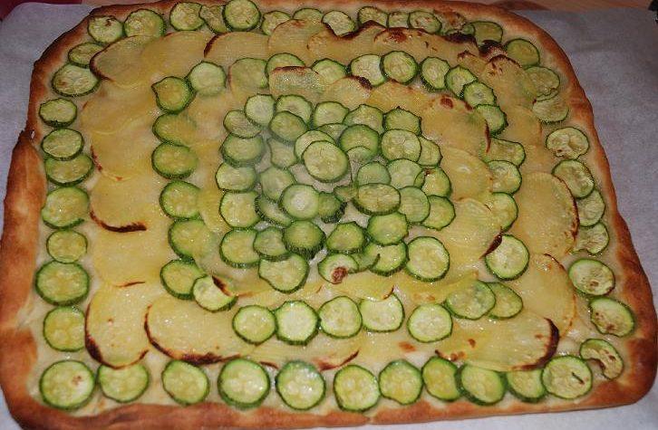 Focaccia di patate e zucchini