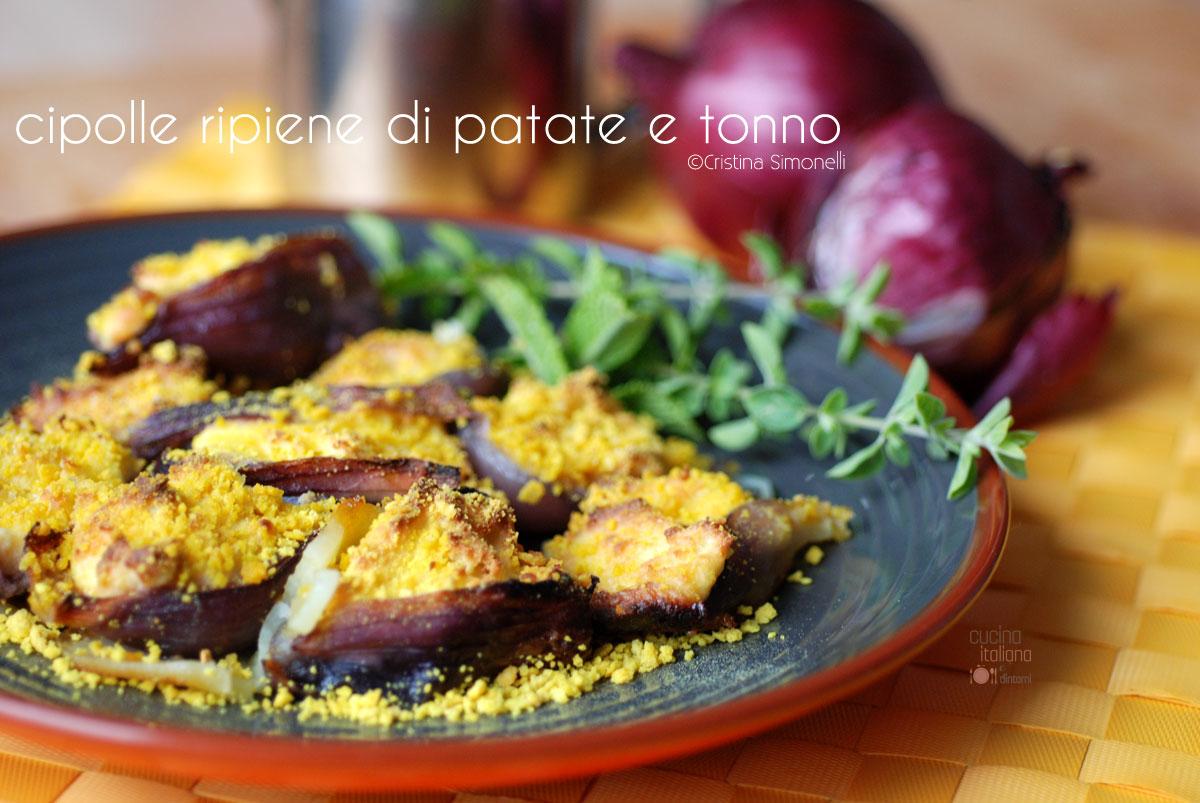 Cipolle ripiene di patate e tonno ricetta facile - Come cucinare le cipolle ...