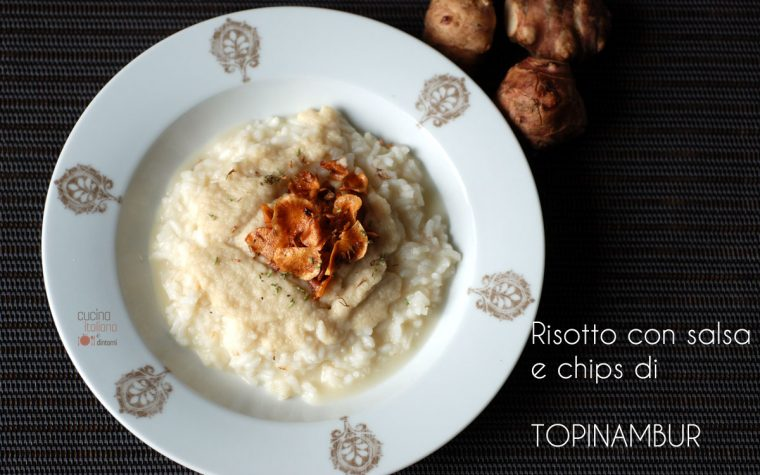 Risotto con salsa e chips di topinambur, ricetta vegetariana