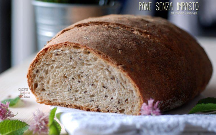 Pane semi integrale ai semi di lino e lievito madre con impasto a mano