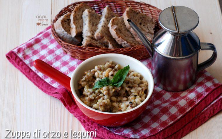 Zuppa di orzo e legumi ricetta vegana