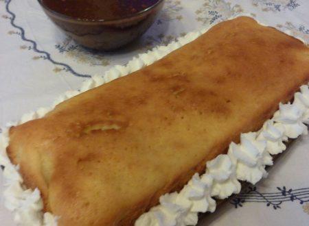 POUND CAKE CON SALSA AL CIOCCOLATO