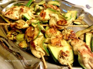 spiedini di pollo e zucchine al profumo di limone - nella cucina di laura